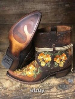 Corral Women's Chocolate Floral Embroidered Snip Toe Ankle Boots C3418