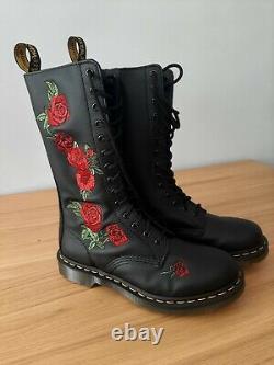 Dr Martens 14 Hole Vonda Boots Size 7