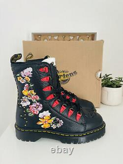 Dr Martens Nyberg Skull Embroidered Skull Black Leather Boots New In Box UK7