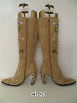 Fendi Western Boots Sz 8.5 Embroidered Beige Suede Leather Italy Mint Authentic