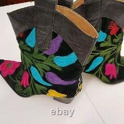 Galeri Cengiz Women's Black Floral Embroidered Booties Size 42 (9)