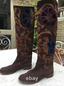 Ladies Boots Size 39