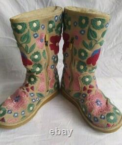 Limited Edition UGG Australia Wahine Boots tan with floral embroidery size 4.5