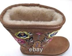 New NIB UGG Juliette Embroidered Chestnut Brown Suede Womens Boot 7, RUNS SMALL