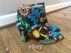 Stuart Weitzman Pure Pointy Toe Floral Embroidered 90mm Booties Size 8