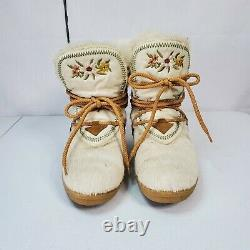 Tecnica Skandia Boots Vintage Italian Embroidered Floral Fur Ankle Boots Ivory