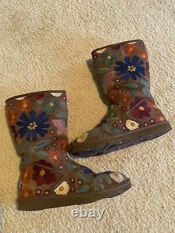 Ugg Australia Wahine Floral Multi Brown Embroidered Boots Shearling Limited Sz 7